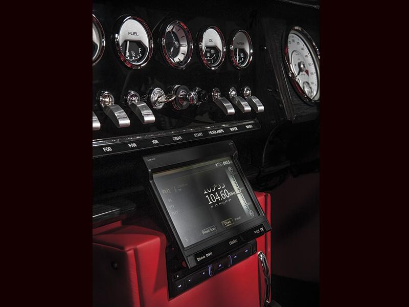 jaguar-mark-ii-interior.jpg